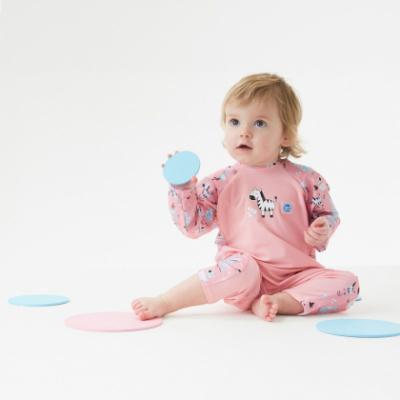 """Солнцезащитный костюм для малышей """"Розовые джунгли""""."""